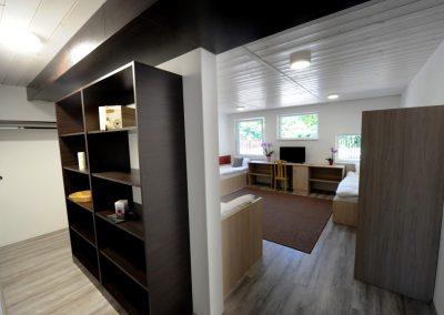 szoba (Medium)
